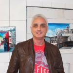 Heiko Schulze vor einem seiner Werke